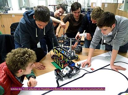 Schüler im Projektkurs Informatik