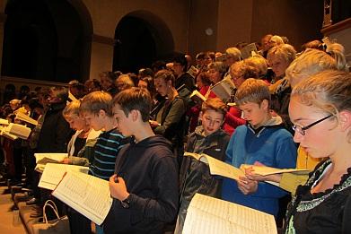 Der Chor des THEO bei der Probe